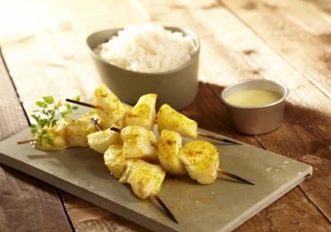 Brochettes de cabillaud curry coco