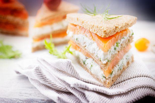 Mini club sandwich au saumon